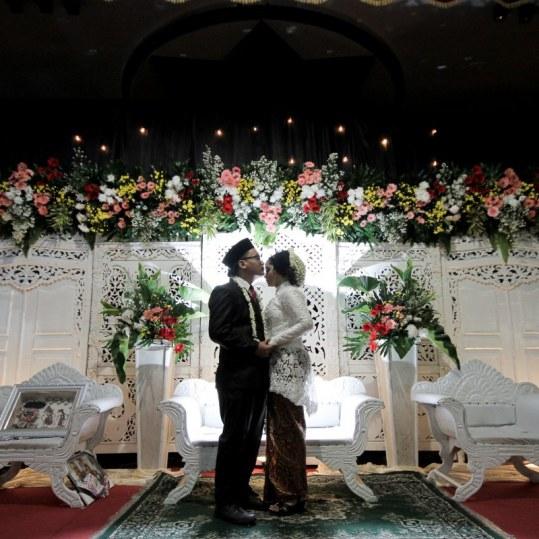 Foto Depan Pelaminan Setelah Akad Nikah