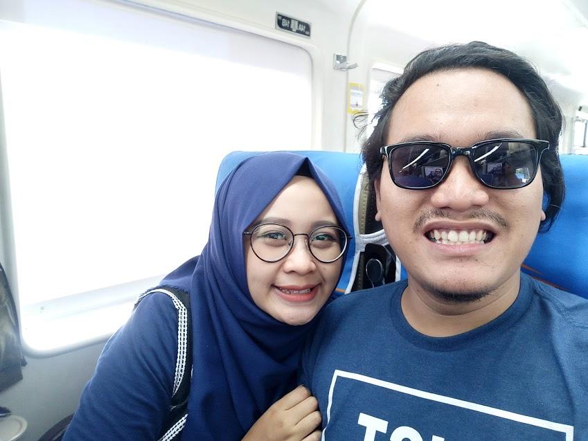 Di Kereta Parahyangan Menuju Bandung