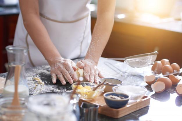 Usaha Kue Ibu Rumah Tangga